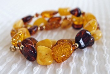 Necklace of Baltic amber, copal and gold (AnitasArtJewelry at Etsy)