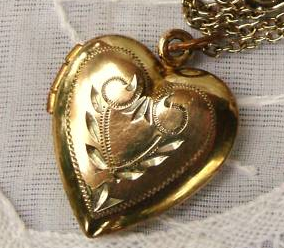 10kt gold-filled Victorian heart locket listed on eBay for $10 ($3 shipping)