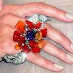 heidi-klum-lorraine-schwartz-ring-emmy-awards-2011-300x225