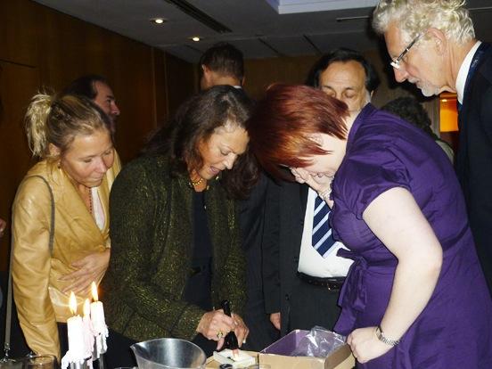 Antoinette Matlins at International Gemmological Conference in London, 2009