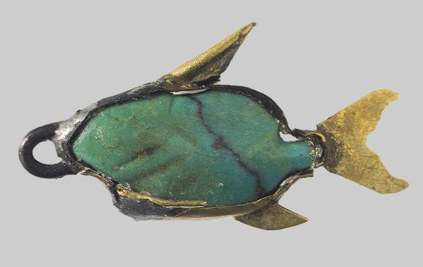Beryl fish pendant