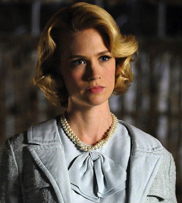 Betty Draper pearls Mad Men