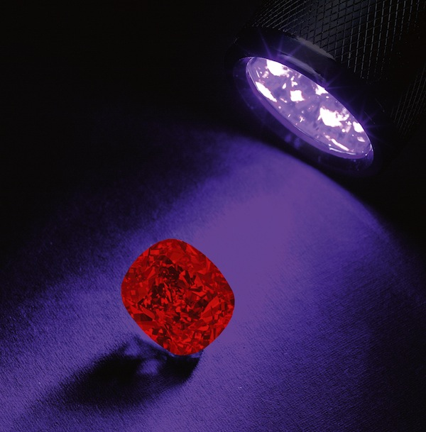 Blue Moon Diamond displays red phosphorescence in ultraviolet light. (Photo courtesy Sotheby's)