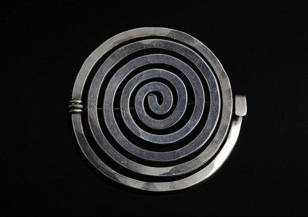 Calder Spiral ring