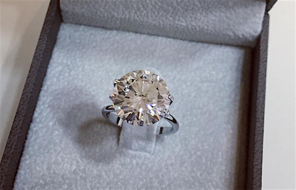 Classic round diamond ring