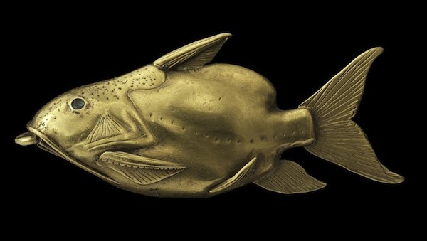 Egyptian gold fish pendant, Middle Kingdom, Late Dynasty, 1878-1640 BC (courtesy National Museums Scotland)