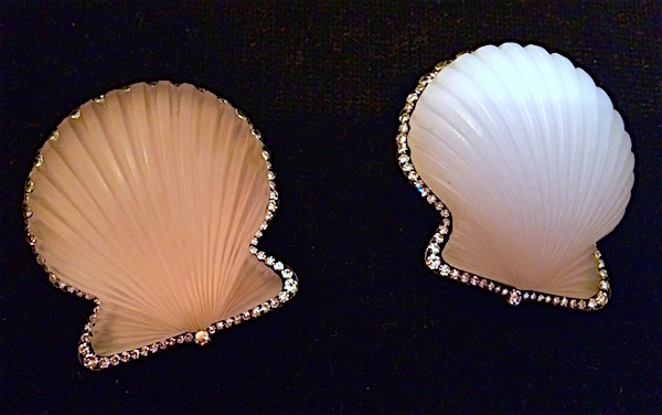 JAR quartz seashell pins (photo Cathleen McCarthy/The Jewelry Loupe)