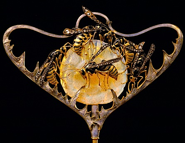 Lalique-wasp-stickpin