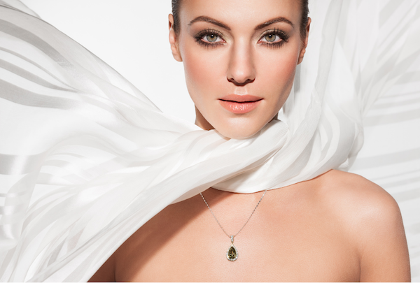 how to photograph jewelry on models tips from the pros the