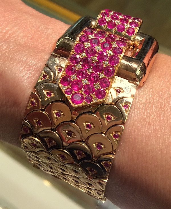 Retro bracelet of 18k gold and rubies, 1940 | photo Cathleen McCarthy | The Jewelry Loupe