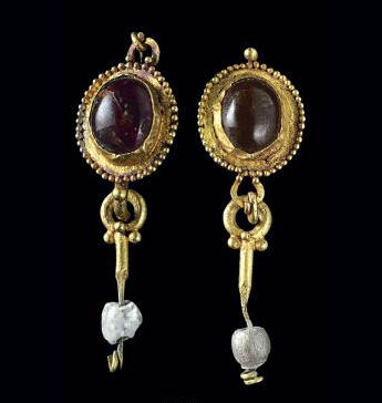 Roman gold earrings the jewelry loupe