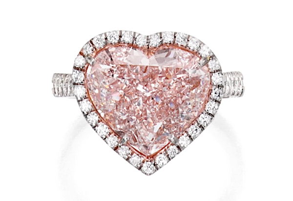 Ring of 5.20ct heart-shaped light pink diamond