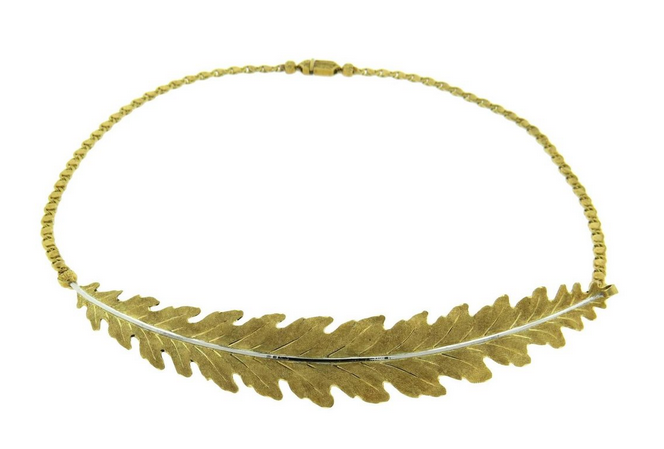 Buccellati leaf motif necklace