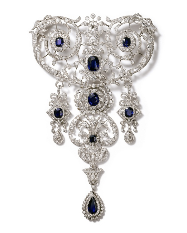 Stomacher brooch (c) Cartier