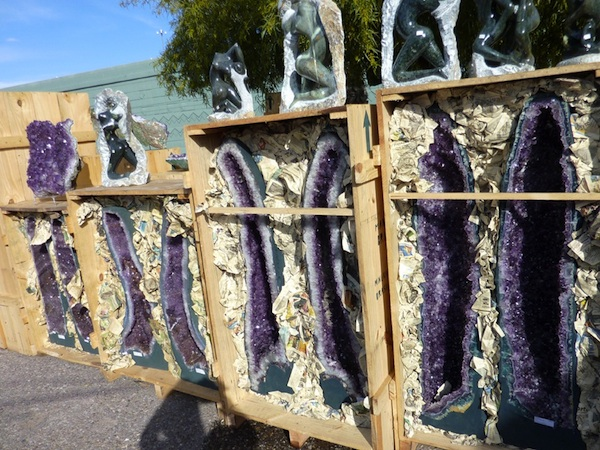 Amethyst in crates at Tucson Gem Show (Cathleen McCarthy/The Jewelry Loupe)